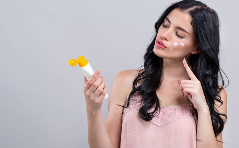 Sunscreen Untuk Kulit Berminyak di Bawah 50 Ribu